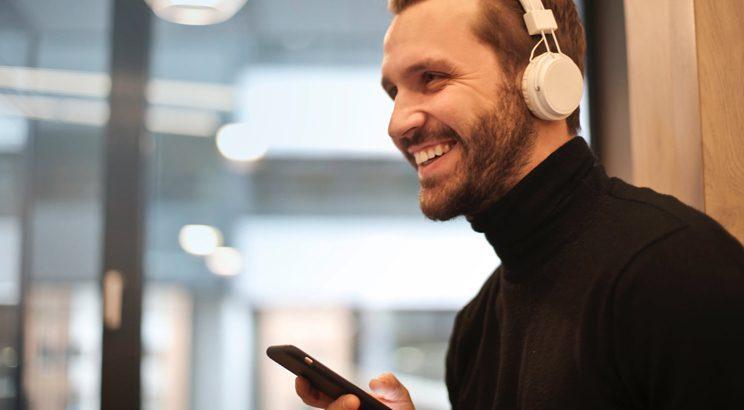 beste luisterboeken app - beste luisterboeken abonnement - luisterboeken storytel - luisterboeken audible